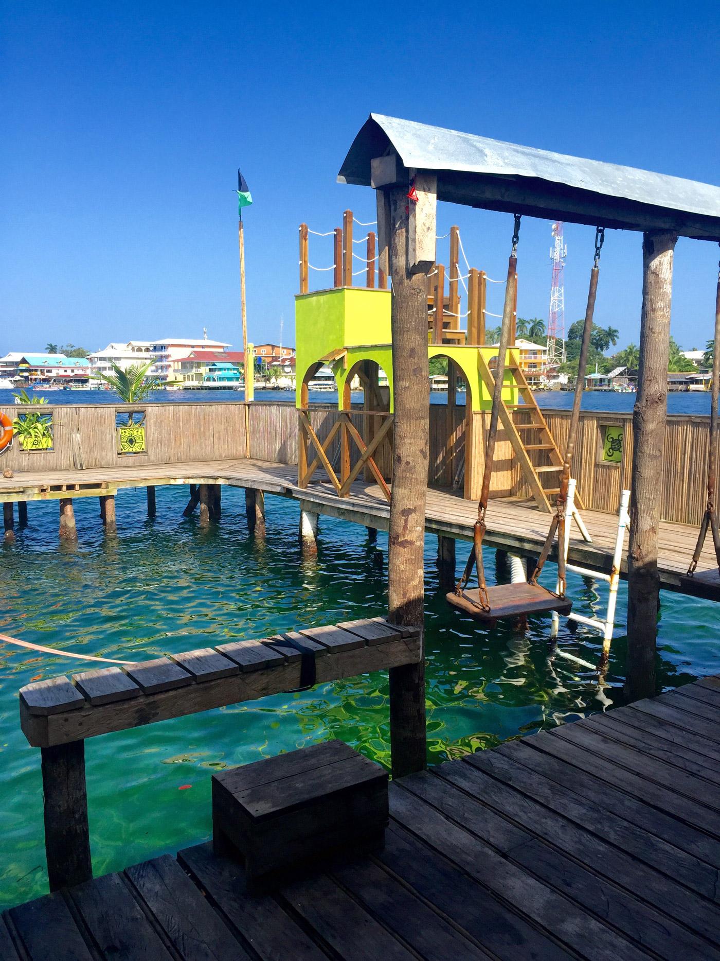 Aqua Lounge Hostel, not a bad setup