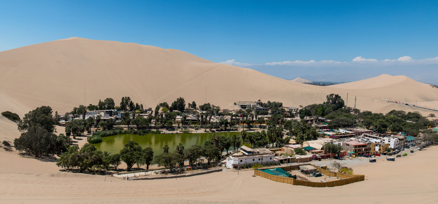 Huachachina, an oasis in the middle of the desert