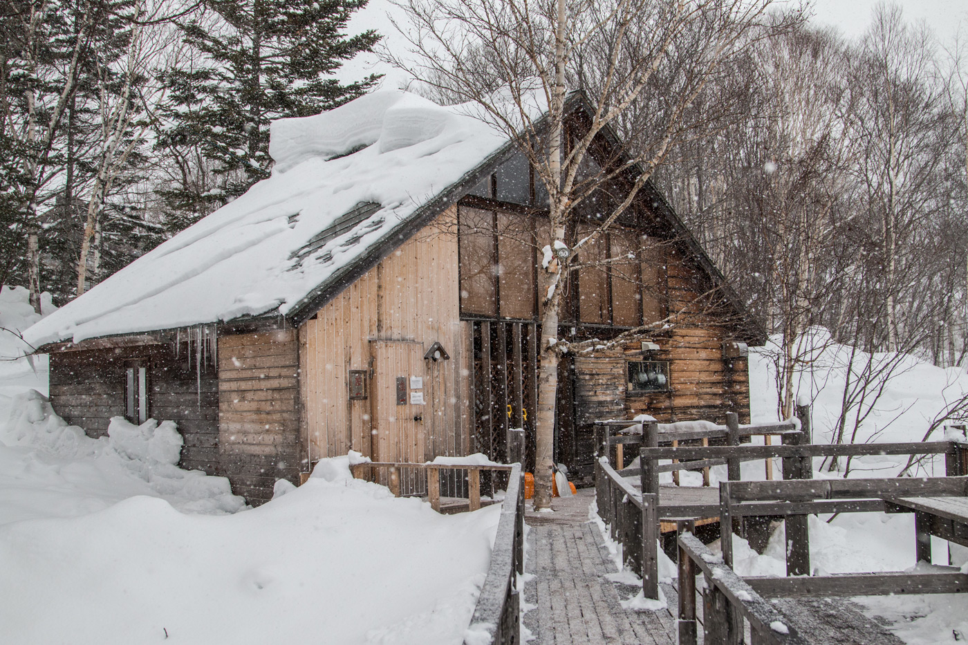 The amazing small restaurant amongst the snow
